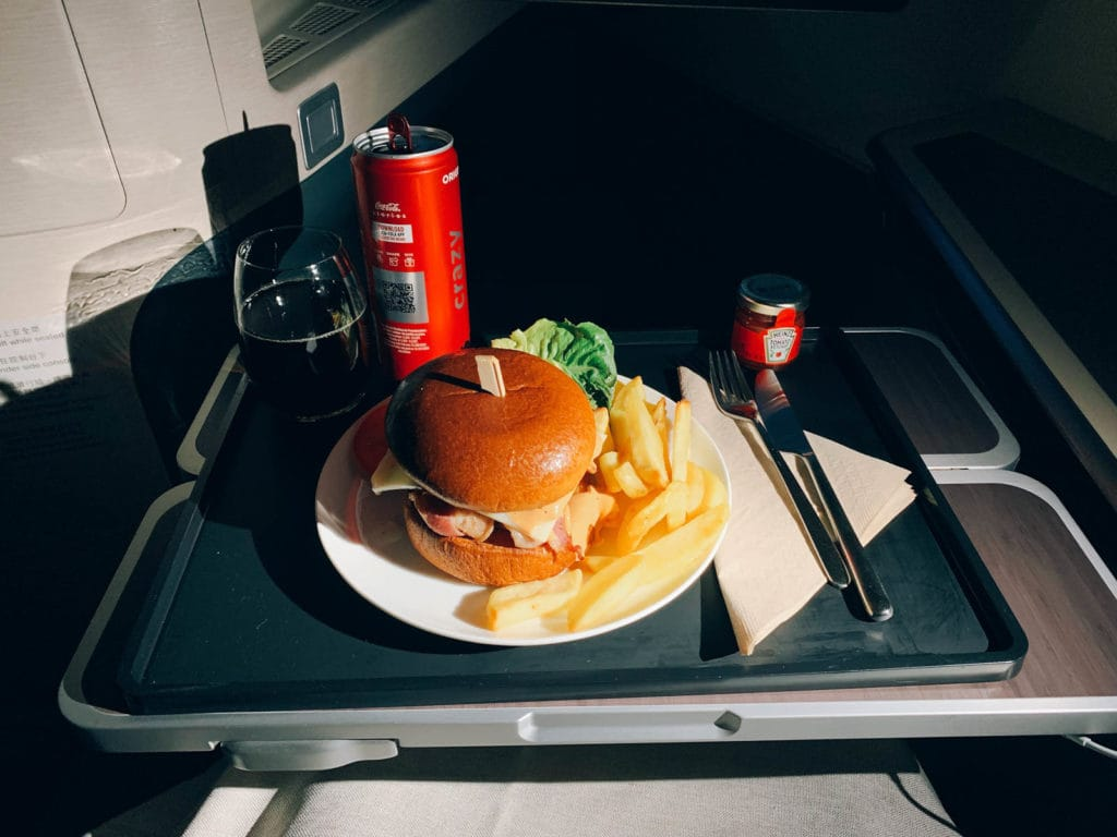 Cathay Pacific Midflight Snack der Zweite - Beef Burger