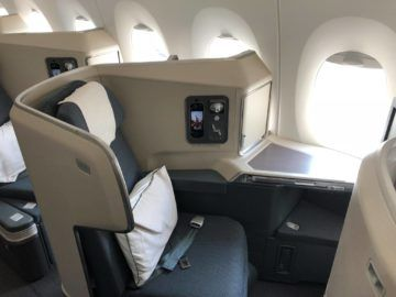 Cathay Pacific Business Class A350-1000 Seitenansicht Sitz