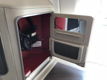 Cathay Pacific Business Class A350-1000 Kopfhörerfach