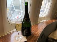 cathay pacific first class boeing 777 300 krug champagner