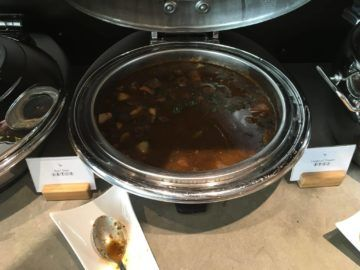 cathaypacific business class lounge londonheathrow beef stew