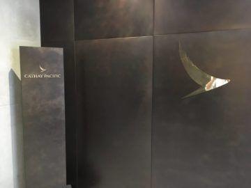 cathaypacific business class lounge londonheathrow logo