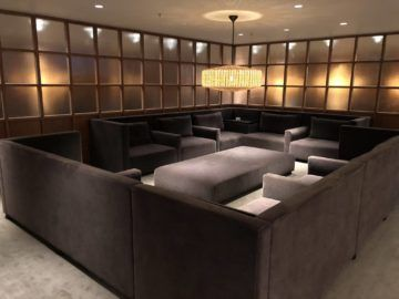 cathaypacific business class lounge the pier hongkong relax area