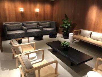 cathaypacific business class lounge the pier hongkong sitzbereich3
