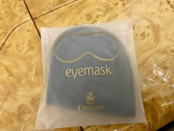 emirates alte first class a380 amenity kit augenmaske