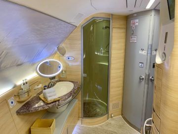 emirates alte first class a380 bad 2