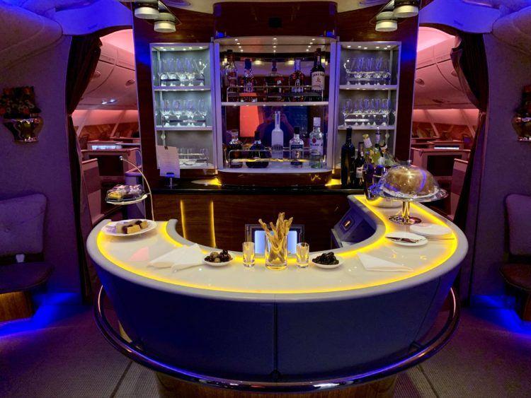 emirates alte first class a380 bar 1
