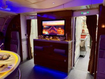emirates alte first class a380 bar 4