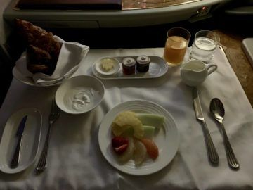 emirates alte first class a380 fruehstueck 1