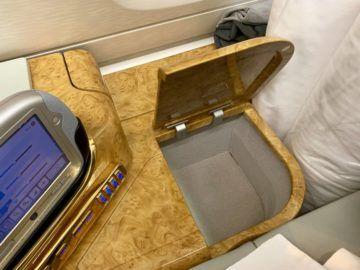 emirates alte first class a380 staufach 2