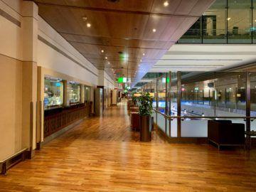 emirates first class lounge dubai concourse b atrium 1