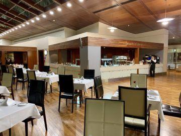 emirates first class lounge dubai concourse b restaurant 2