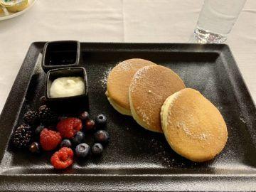 emirates first class lounge dubai concourse b restaurant pancakes