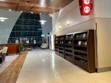 emirates first class lounge dubai concourse b zeitschriften