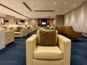 emirates lounge tokio narita sitze 4