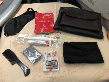 EVA Air Business Class Boeing 777-300 Georg Jensen Amenity Kit ausgepackt