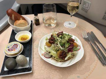 EVA Air Business Class Boeing 777-300 Salat