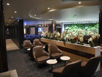 fiji airways premier lounge nadi sitze an den toiletten
