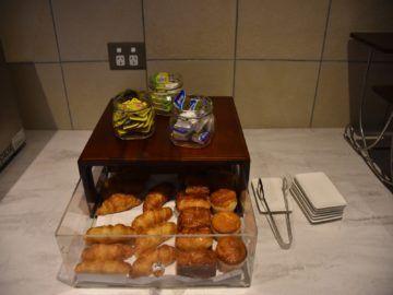 Croissants und Muffins