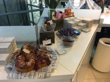 finnair lounge helsinki kuchen schokolade