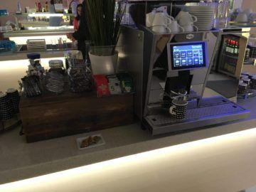 finnair lounge helsinki nonschengen kaffeemaschine