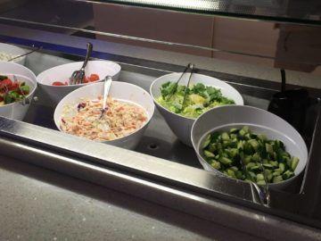 finnair lounge helsinki nonschengen salatbar