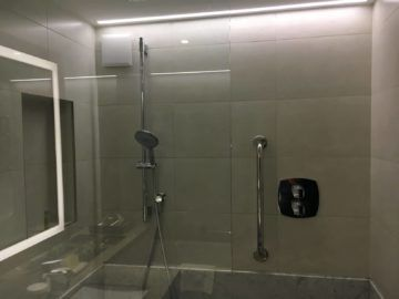 hilton budapest twin executive room badezimmer dusche