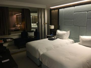 hilton budapest twin executive room betten