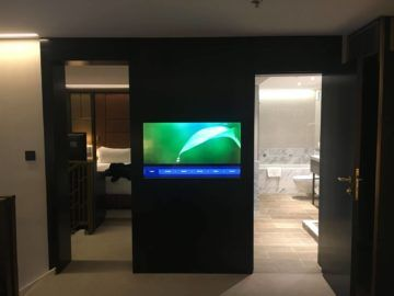 hilton budapest two bedroom suite schlafzimmer 1 twin fernseher