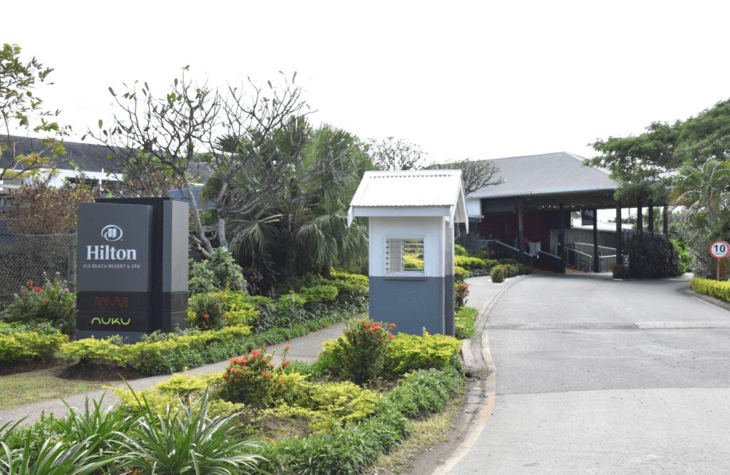 Auffahrt zum Hilton Fiji auf Denarau Island