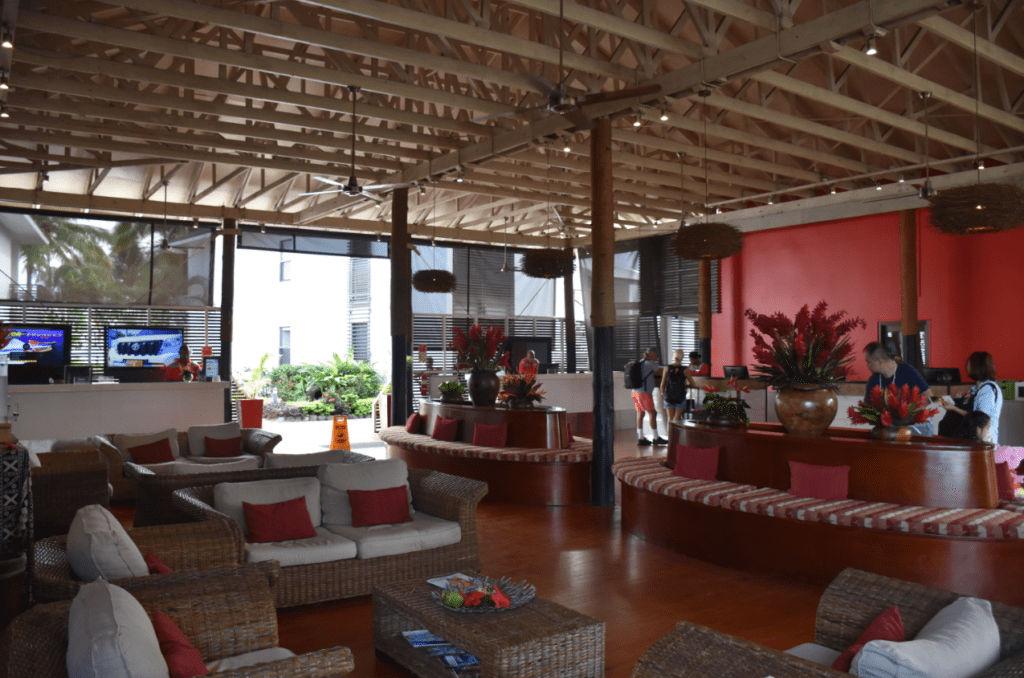 Die offene Lobby des Hilton Fiji Resorts