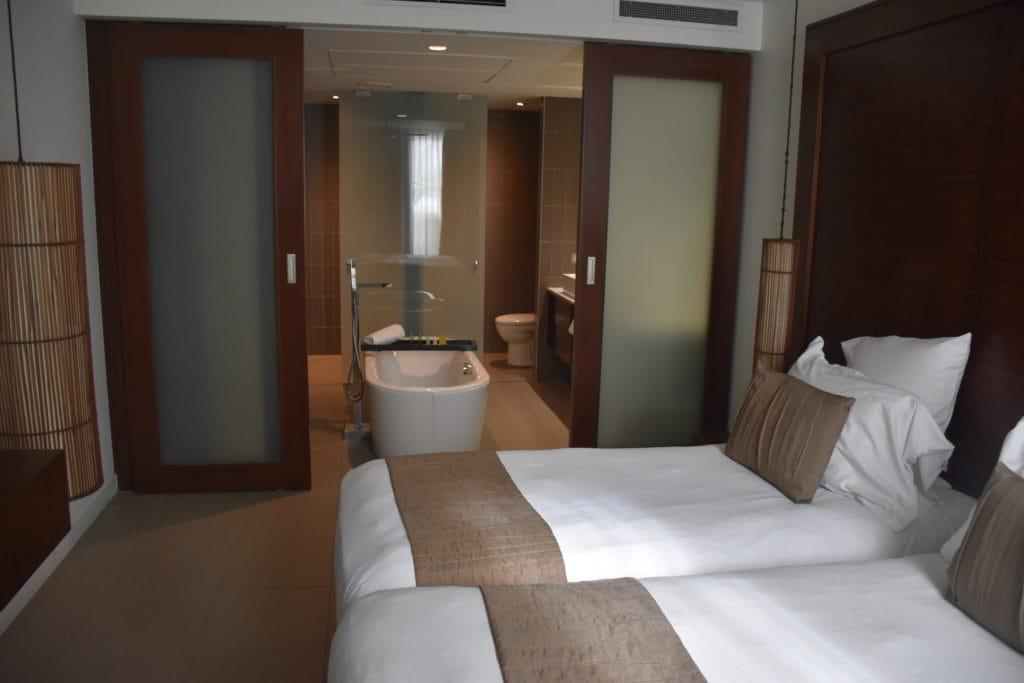 Hilton Fiji Twin Bed Zimmer von der Seite