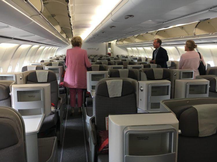 iberia business class a340 600 kabine 1