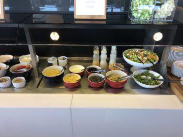 lufthansa business lounge frankfurt a26 salatbar