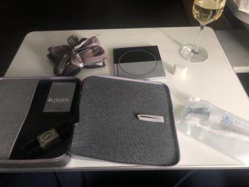 lufthansa first class boeing 747 8i amenity kit ausgepackt