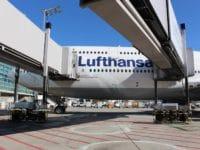 lufthansa flugzeug boeing 747 frankfurt flughafen