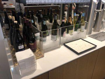 lufthansa senator lounge frankfurt a wein champagner