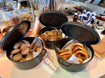 lufthansa senator lounge frankfurt c16 buffet brot
