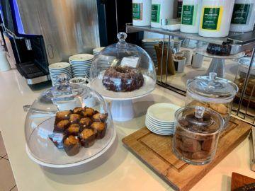 lufthansa senator lounge frankfurt c16 buffet kuchen