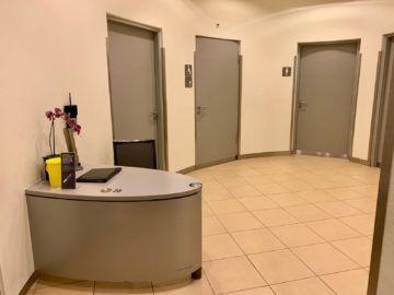 lufthansa senator lounge frankfurt c16 dusche eingangsbereich