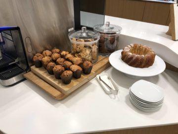 lufthansa senator lounge muenchen satellit schengen muffins kuchen