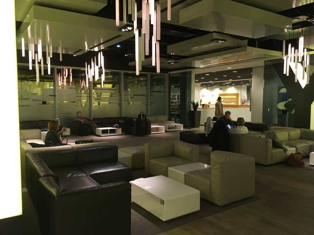 lufthansa senator loungeb frankfurt chill area