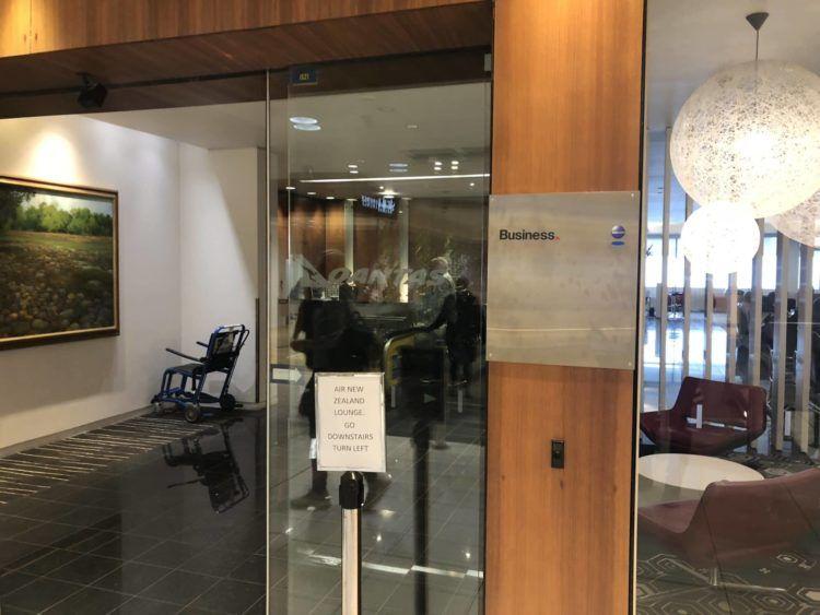 qantas business lounge auckland eingangsbereich