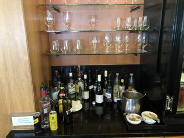 qantas business lounge auckland hochprozentiger alkohol