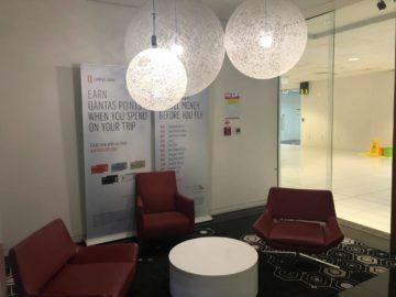 qantas business lounge auckland sitzecke eingangsbereich