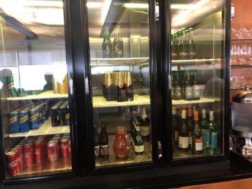 qantas business lounge auckland softdrinks bier