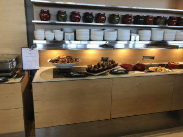 qantas international business lounge sydney fruehstuecksbuffet