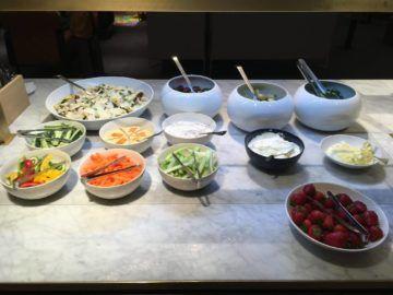 qantas london lounge londonheathrow salat