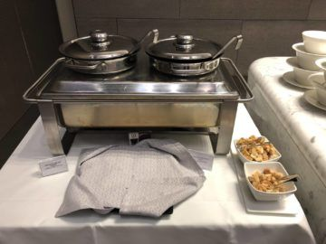 Qatar Airways Al Mourjan Business Class Lounge Suppe Restaurant