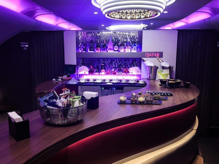 qatar airways business class a380 bar lounge
